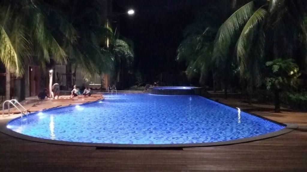 Narita Hotel Surabaya Bluepool